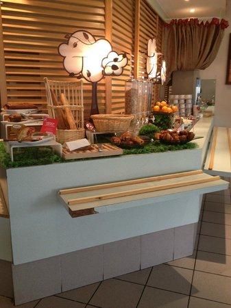 Ibis Archamps Porte de Geneve : Breakfast selection