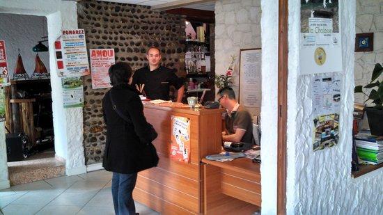 Hotel Restaurant Au Feu de Bois : reception de l'etablissement
