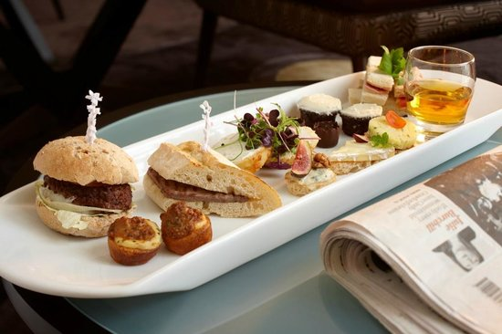 The Metropole Lounge: Gentleman's Afternoon Tea