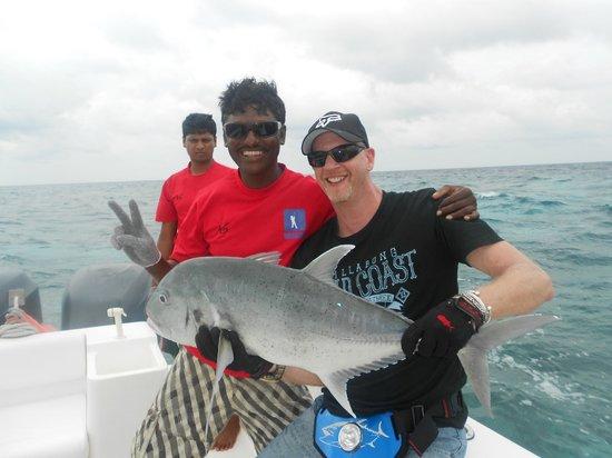 Maakeyolhu Fishing Charters: Mark with captain Vaaku