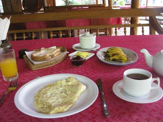 Golden Sunrise Hotel: breakfast