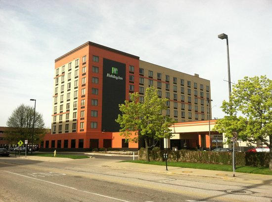 Holiday Inn Grand Rapids Downtown: Front of HI