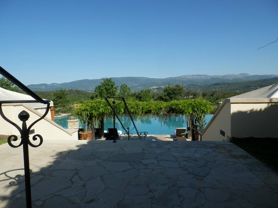 Terre Blanche Hotel and Spa: Voew across to tourette