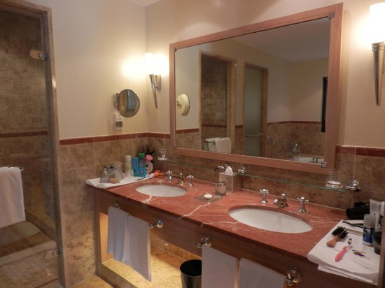 Terre Blanche Hotel and Spa: Bathroom