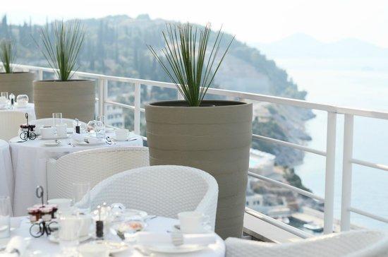 Sun Gardens Dubrovnik: Завтак в лаунже на клубном этаже!