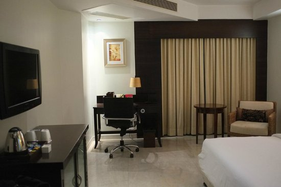 Royal Orchid Central Kireeti: Chambre