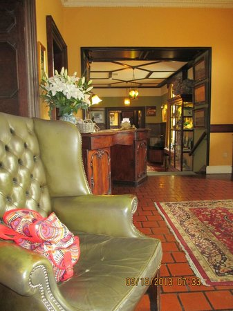 Ballynahinch Castle Hotel: Front Lobby