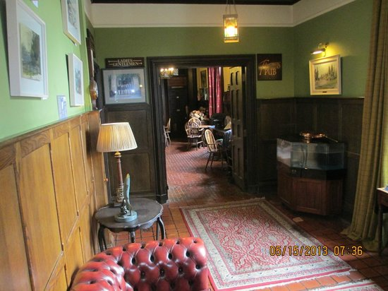 Ballynahinch Castle Hotel: A View to the Pub
