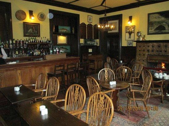 Ballynahinch Castle Hotel: Castle Pub
