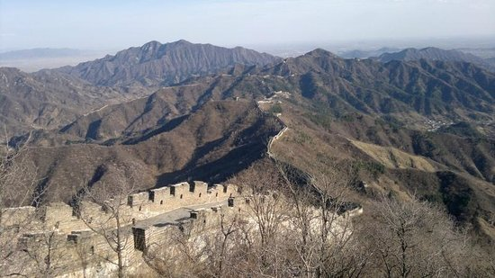 Tur Pribadi Harian - ke Beijing Tur Guide Catherine: A breathtaking view from the top of the higher mountain on the wall at Mutianyu. Priceless.