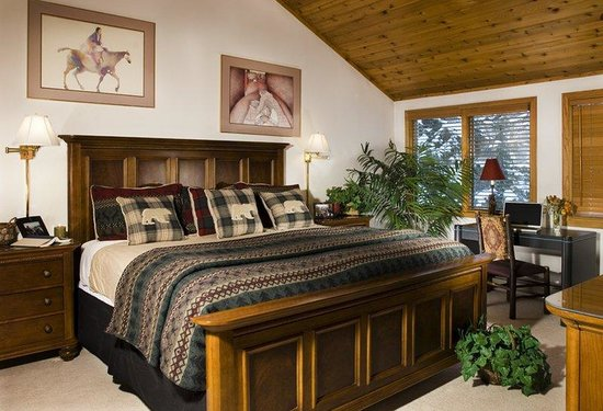 Townsend Place at Beaver Creek: Bedroom