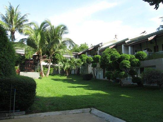 Muang Kulaypan Hotel: Gardens