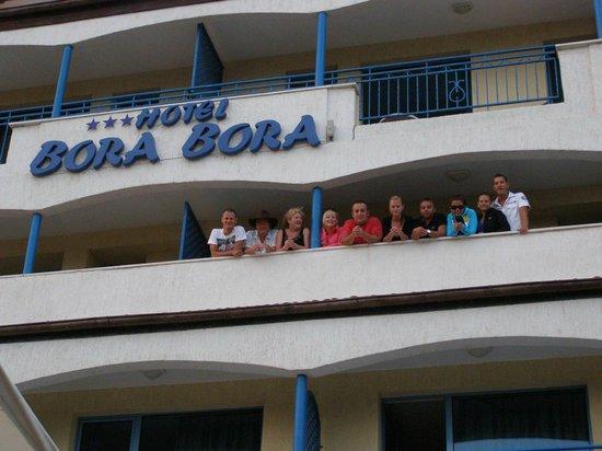 Bora Bora Hotel: Brilliant balcony with many new friends