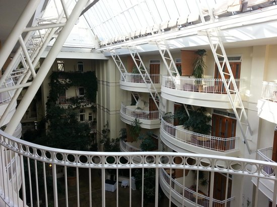 Sefton Hotel: The atrium as viewed from my balcony