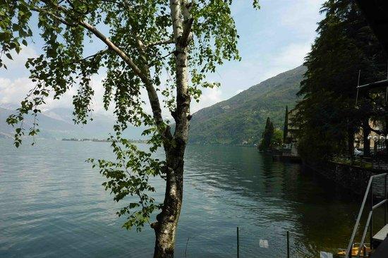 Albergo Ristorante Meridiana: vue sur le lac depuis la chambre