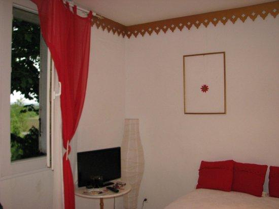 Auberge de la Pousaranque : chambre