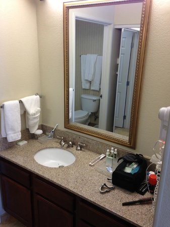 Homewood Suites Dallas - DFW Airport N - Grapevine: Bathroom