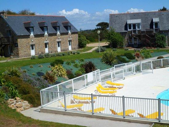 La piscine vu de la terrasse du restaurant picture of for Club piscine laval centre de liquidation