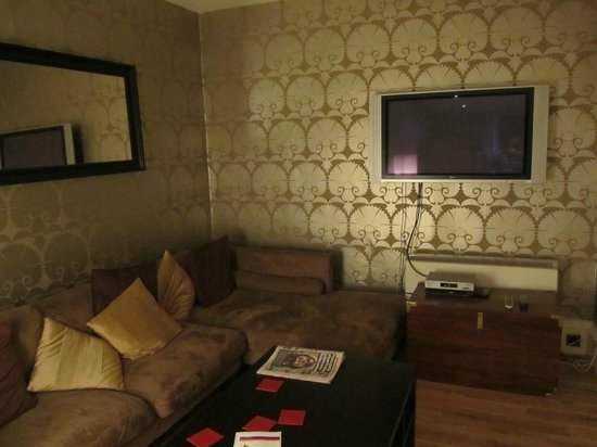 Greyfriars Apartments: Comfortable sitting room Parliament Square Flat