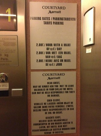Courtyard Brussels : Parking fees in the elevator