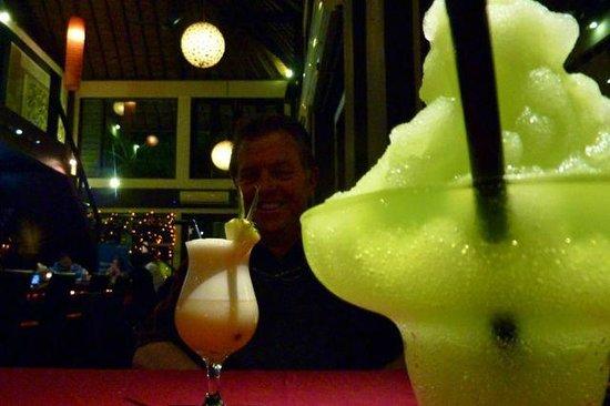 Maya Sayang Restaurant : Half price cocktails between 6pm and 9pm