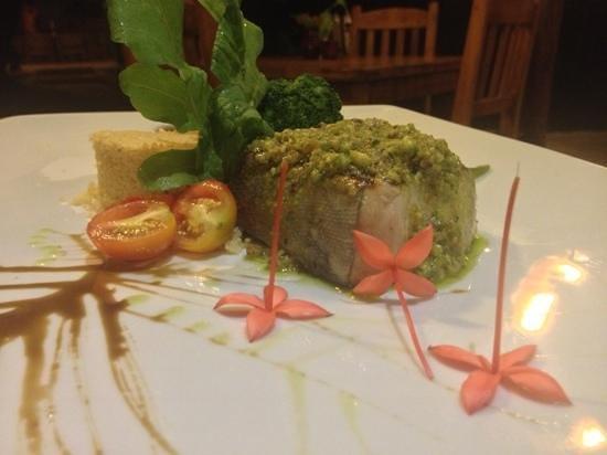 Natura Cabana Boutique Hotel & Spa: tuna & pesto :)