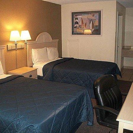 Stay Inn & Suites : Stay Inn Suites Detroit Room