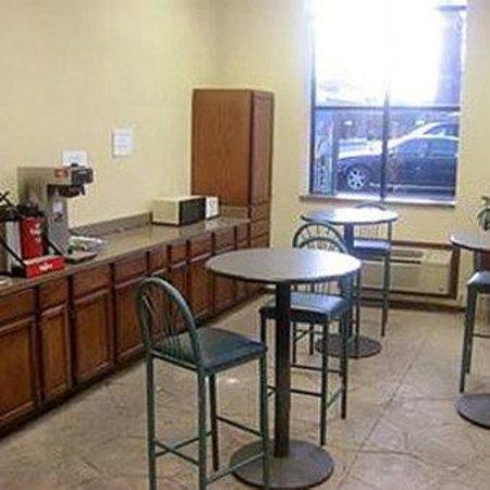 Stay Inn & Suites : Breakfast