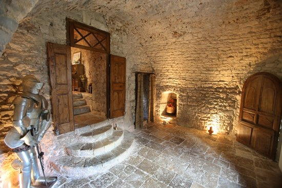 Chateau de Sorgues : salle