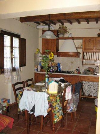 Le Valli: interieur glicine keuken