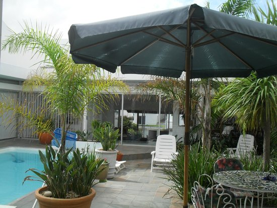 Admiralty Bed & Breakfast : Central pool courtyard