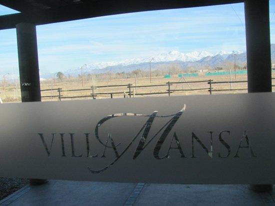 Villa Mansa Wine Hotel & Spa: Vista desde el Comedor hacia la Cordillera de los Andes