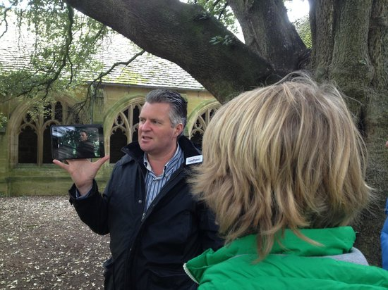 Oxford Walking Tours: Here is our tour guide, Stuart, showing us a clip from Harry Potter that was filmed here