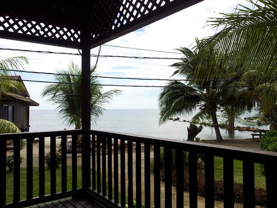 Tioman House : the view from the sea view room.
