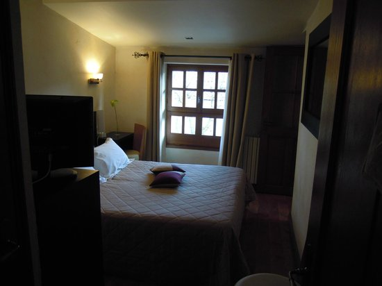 Hotel Les Remparts: Habitación