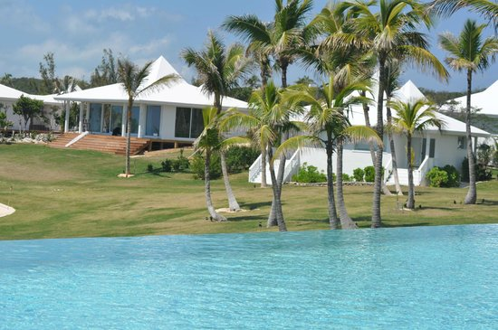 The Cove Eleuthera : pool and rooms