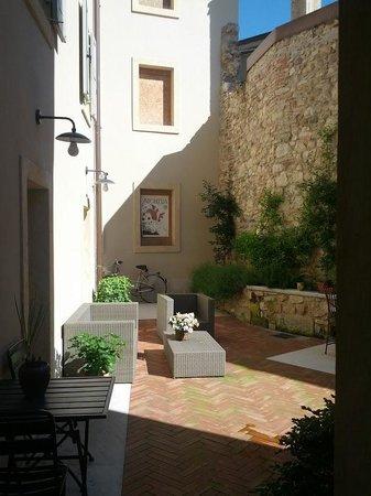Bagolina B&B: giardino interno
