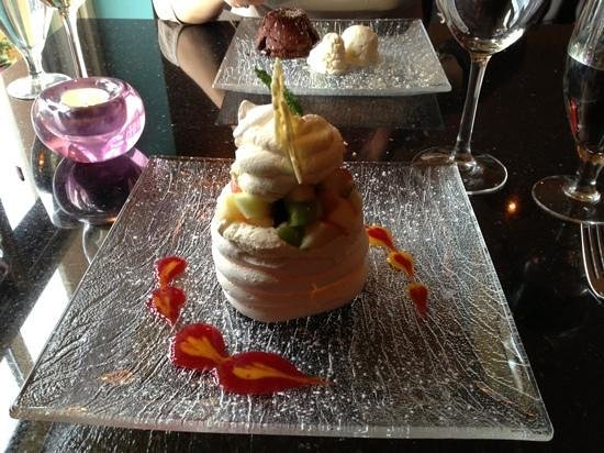 Lord Kenmare's Restaurant: Great Pavlova