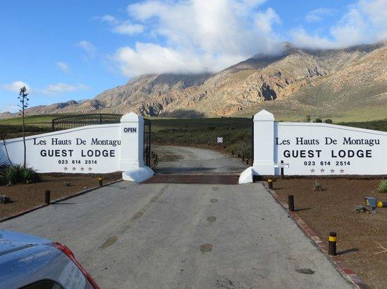 Galenia Estate: Entrance gates