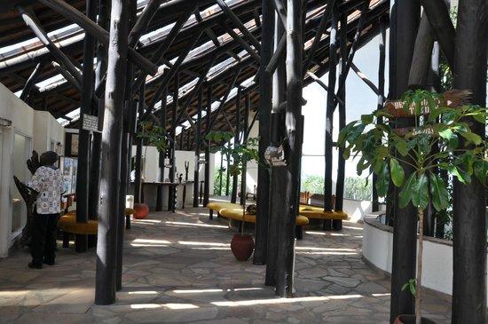 Mpata Safari Club: Lobby