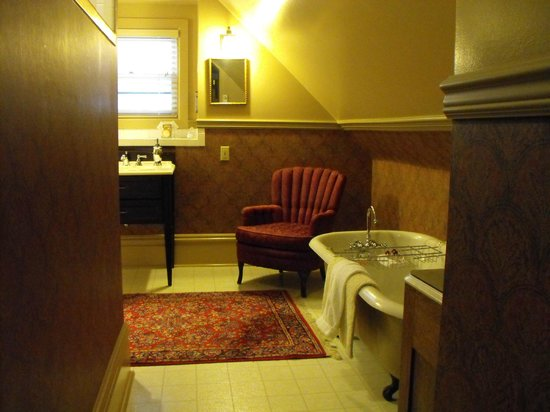 Sanders - Helena's Bed and Breakfast: Wonderful bathroom