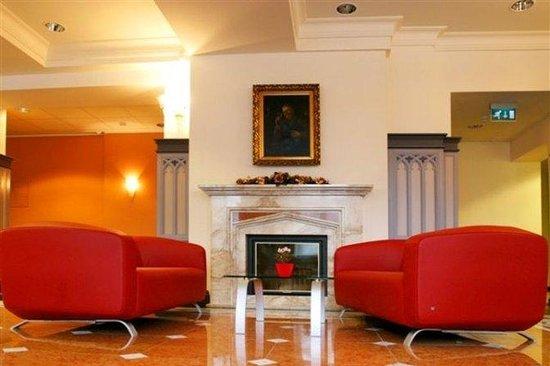 Monika Centrum Hotel: Lobby View