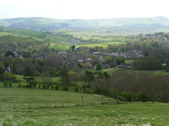 Nightingales B&B: Village of Kingston from the South Downs Way