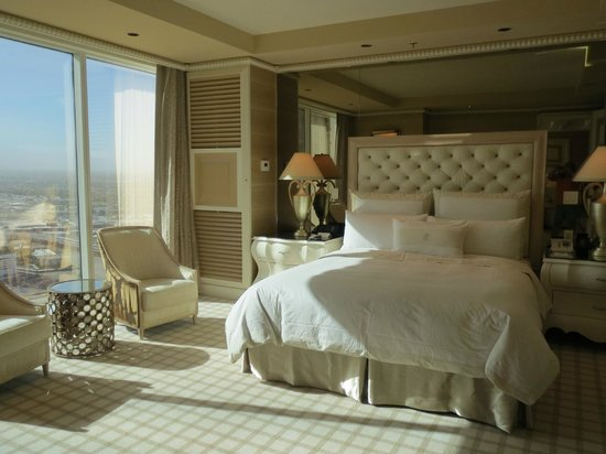 beuatiful bedroom with view of the strip picture of wynn las vegas