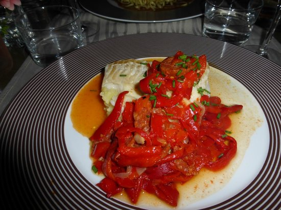 L'Alcove: White fish with mashed potatoes, chorizo and red peppers