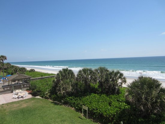 DoubleTree Suites by Hilton Melbourne Beach Oceanfront: View from 3rd floor balcony