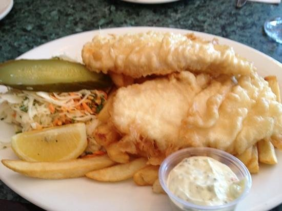 Peter's on Eglinton: fish and chips