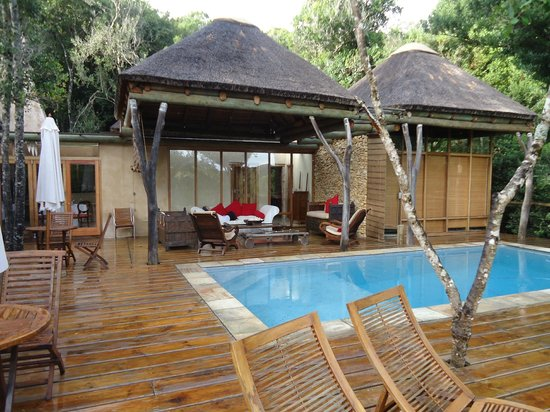 Trogon House and Forest Spa: Deck at main lodge