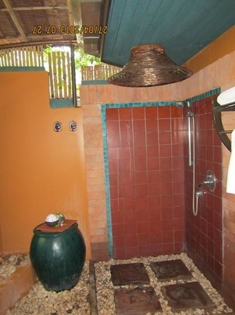 Mangosteen Resort & Ayurveda Spa: Amazing outdoor shower