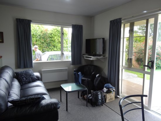 Kaikoura Cottage Motels: Living Area